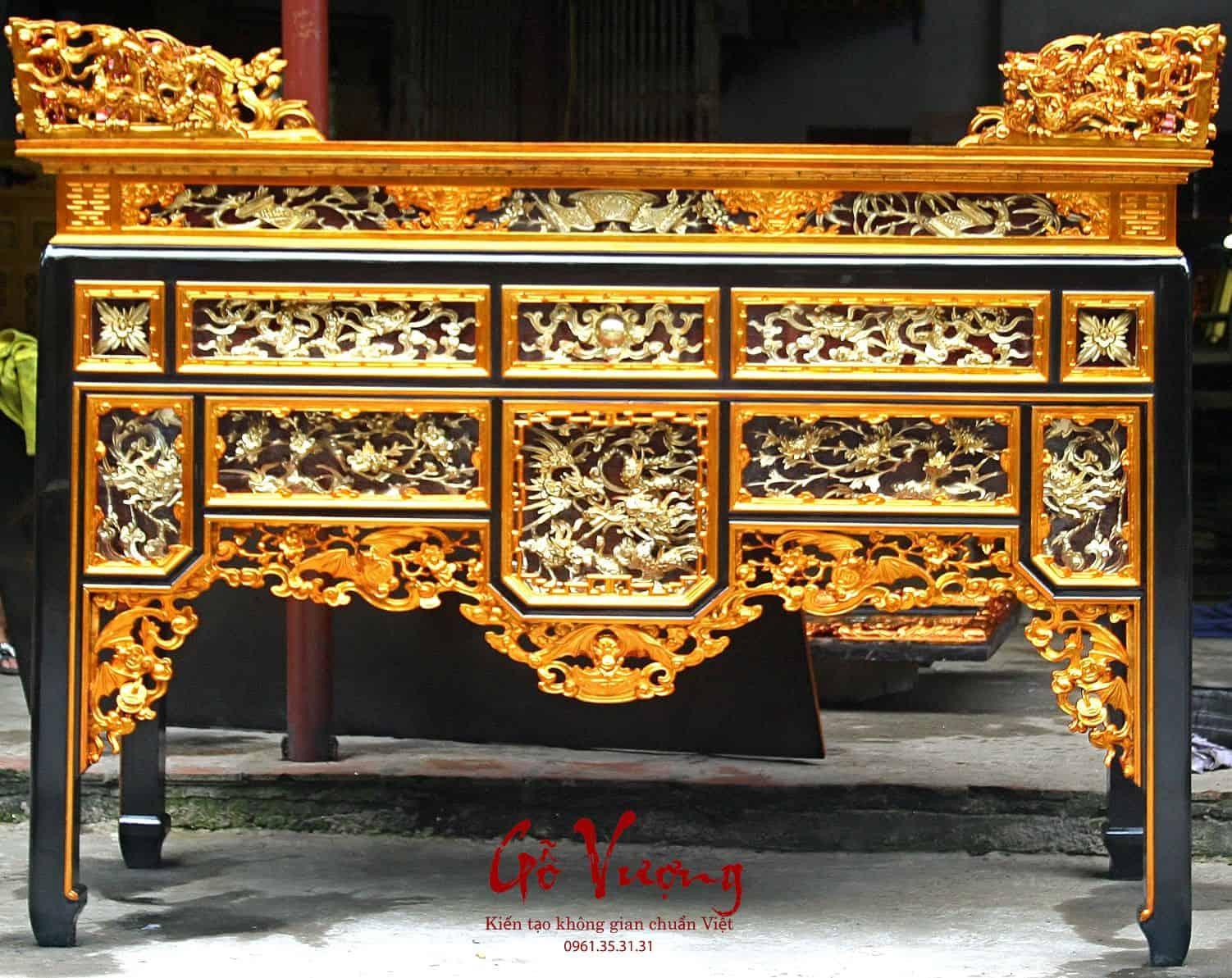 bàn thờ ô sa sơn son dát bạc phủ hoàng kim tại xưởng đồ mộc công ty Gỗ Vượng