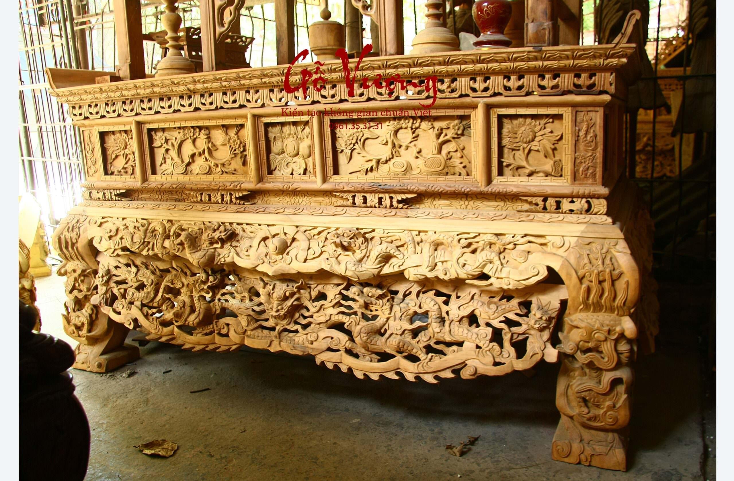 Mẫu sập thờ 2 dạ được tạo hình theo cấu trúc rồng thời hậu lê thế kỷ 17