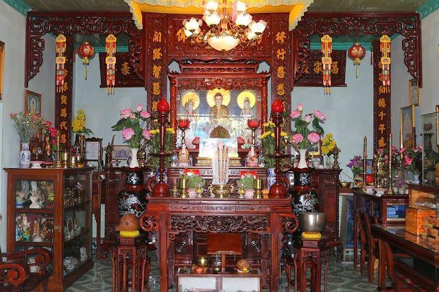 Tránh các kiêng kỵ trong lập bàn thờ Phật và gia tiên