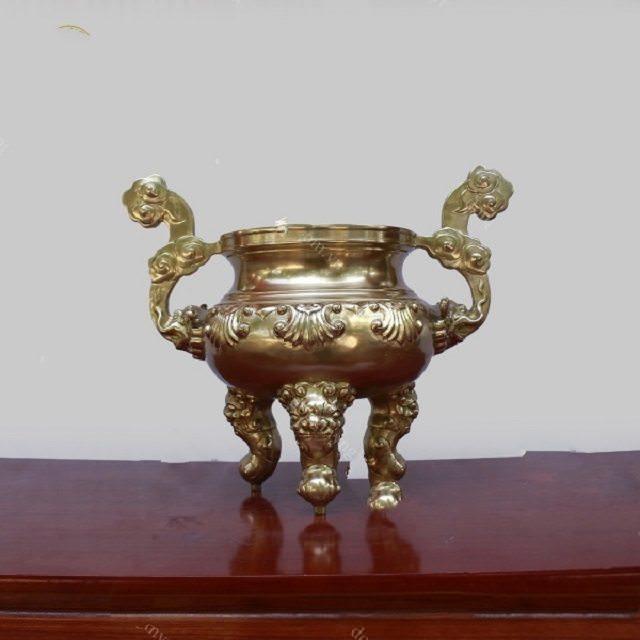 Đỉnh Đồng được xem là sản phẩm dùng để đốt trầm hương trên bàn thờ gia tiên