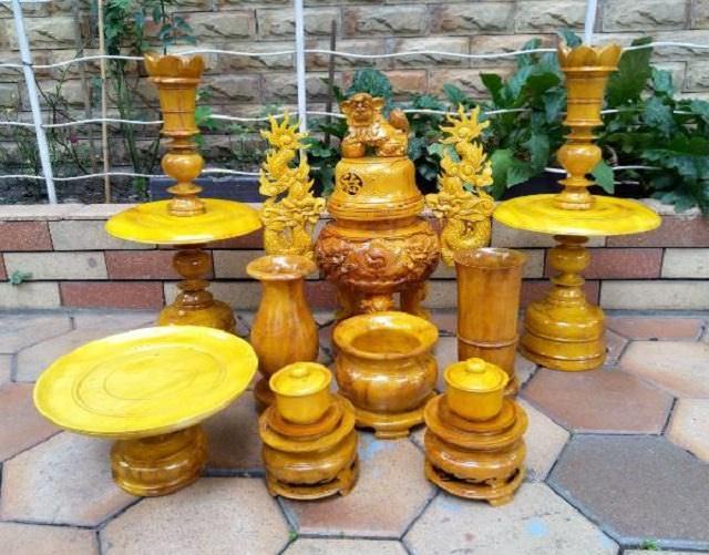 Lựa chọn các đồ dùng thờ cúng bằng gỗ tùy theo nhu cầu mỗi gia đình