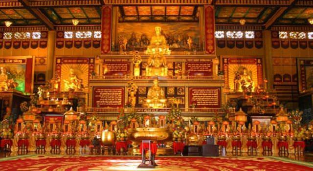 Chính điện ngôi chùa