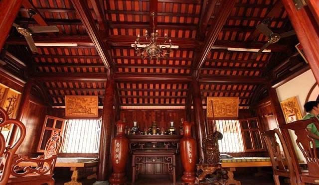 Kẻ nhà gỗ cổ truyền thống thiết kế ân tượng, đậm phong cách phương Đông