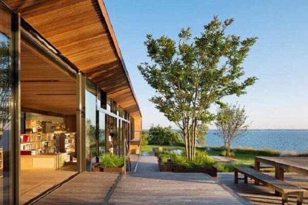 Lưu ý về vị trí xây dựng khi làm nhà bằng gỗ hợp phong thủy
