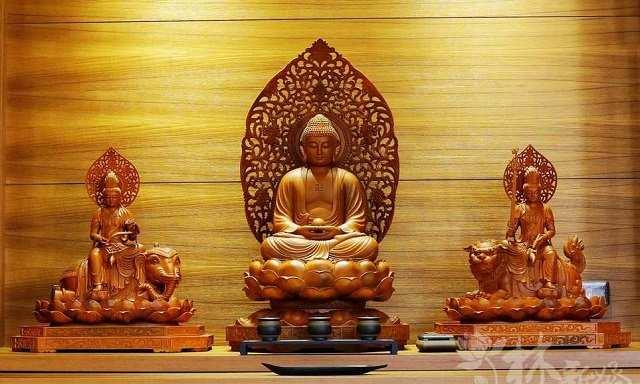 Tượng Hoa Nghiêm Tam Thanh trong đạo Phật