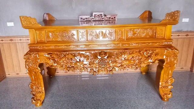 Bàn thờ gỗ dổi là một trong những sản phẩm được yêu thích nhất hiện nay