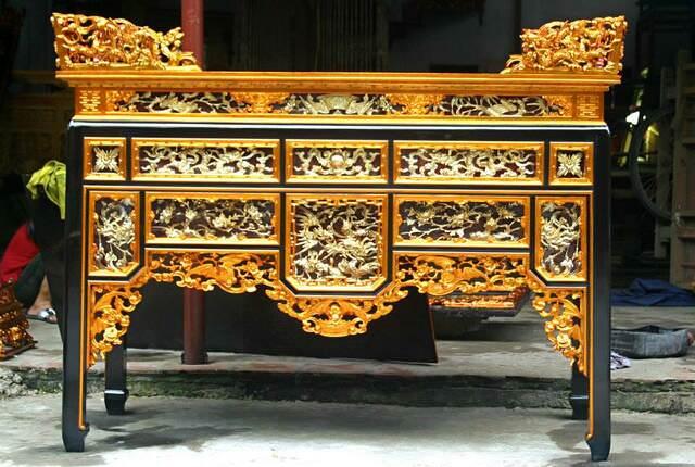 Một trong những mẫu bàn thờ được trang trí công phu và kỳ công nhất đó chính là bàn thờ ô xa
