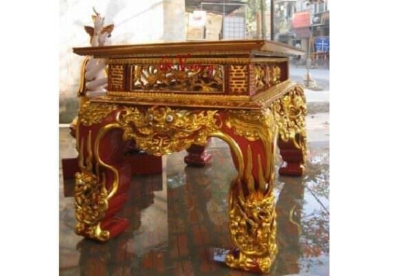 Sập thờ được thiết kế với họa tiết tinh xảo