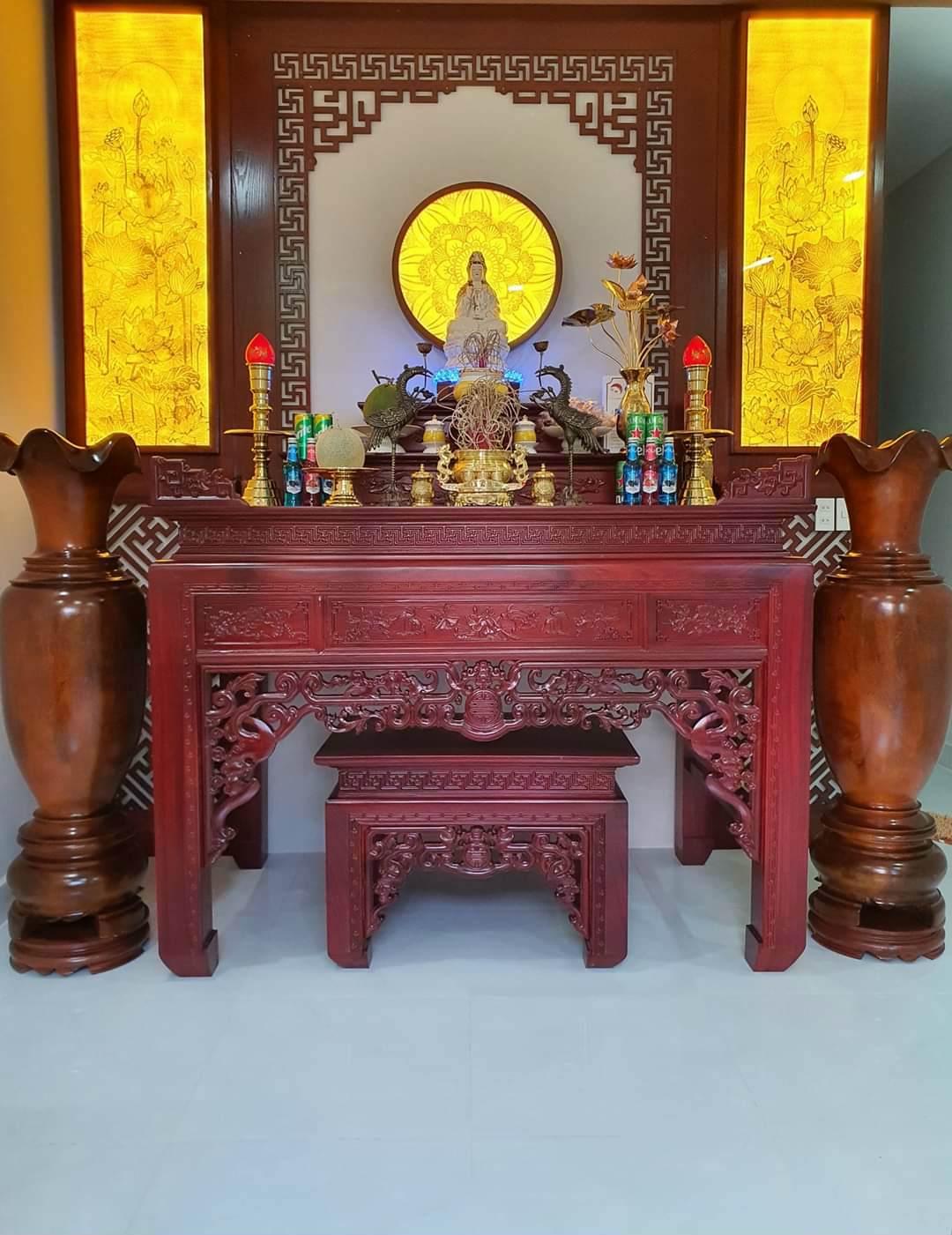 Mẫu bàn thờ ngũ phúc được nhiều gia đình lựa chọn