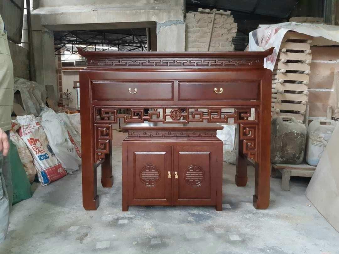 mẫu bàn thờ gỗ gụ phủ bóng