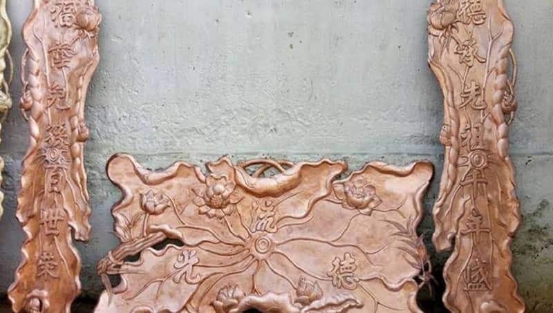 Hoành phi câu đối chạm khắc hình hoa sen